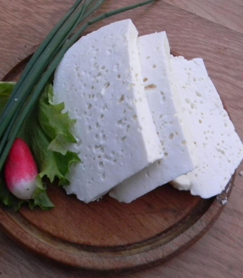 Salata de ridichi de luna cu branza