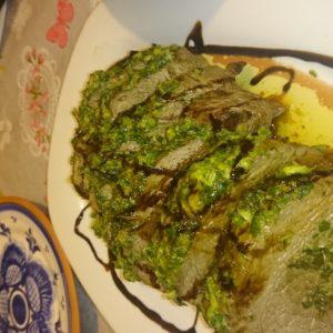 Muschi de vita cu sos verde