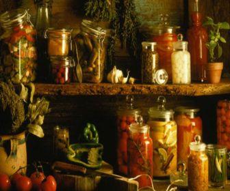 Conservarea unor legume si verdeturi prin suprasarare